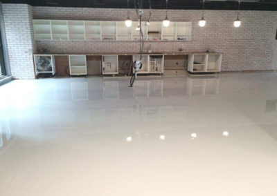 Cafeteria epoxy floor self-levelling in UK